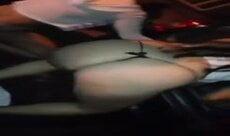 Novinhas levando tapa na bunda de calcinha na balada funk em SP