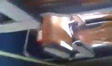 Flagra da putinha no banheiro durante o Durante o voo