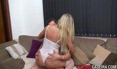 Gostosa faz um pornô caseiro pra adiantar a lua de mel