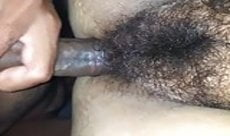 Fodendo a buceta peluda da esposa safada