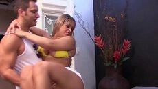 Provando a buceta gostosa da loirinha no motel