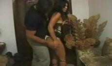 Corninho vendo esposa gostosa foder com outro